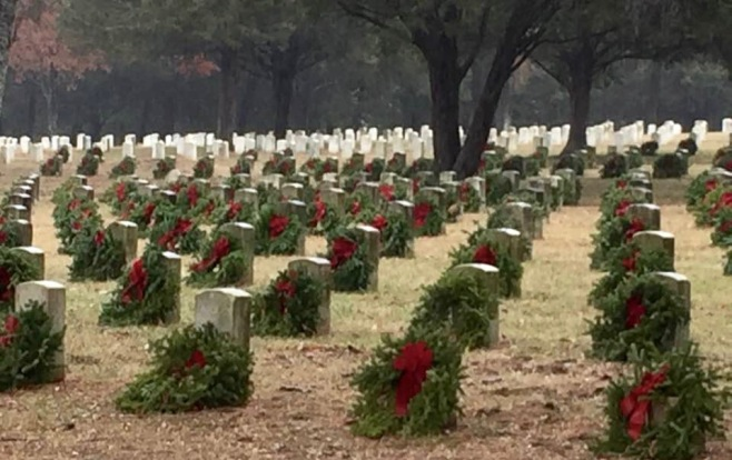 Stones River National Cemetery at Christmas